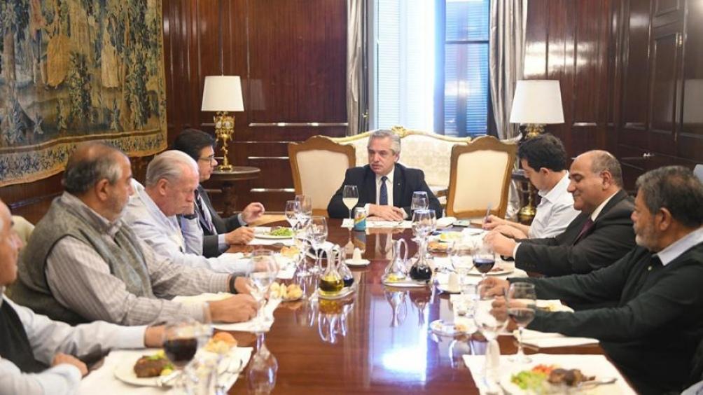 De cara a las elecciones, el Presidente se reunió con autoridades de la CGT